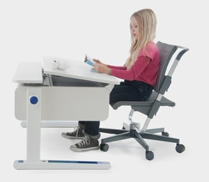 Dziecko przy biurku