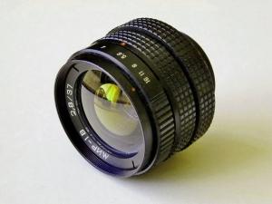 Obiektywy stałoogniskowe - zdjęcie poglądowe na układ