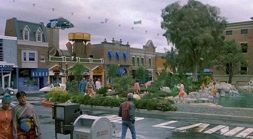 Kadr z filmu – latający samolot