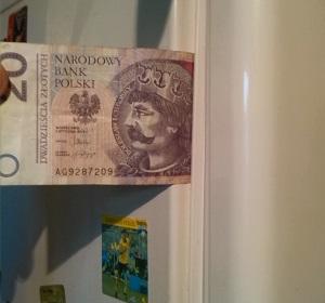 Sprawdzanie szczelności uszczelek za pomocą banknotu