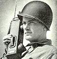Stary telefon z czasów II Wojny Światowej